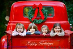 Vintage Truck Christmas Photoshoot Ideas For 2019 Xmas Photos, Family Christmas Pictures, Holiday Pictures, Family Pics, Family Posing, Xmas Pics, Santa Pictures, Party Photos, Family Portraits