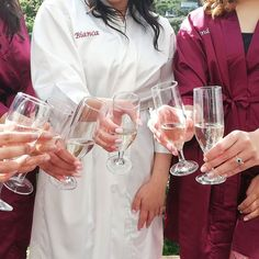 Bubble are alway welcome on the wedding  #bridetobe #champagne