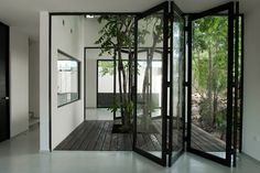 An interior courtyard adds light, privacy and a sense of nature indoors. (photo a)