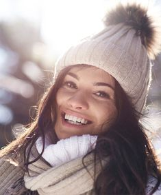 Sun Sensitivity in Winter Best Acne Products, Sun Care, Beauty Junkie, Tinted Moisturizer, Sensitivity, Beauty Shop, Cold Day, Clear Skin, Skin Care Tips