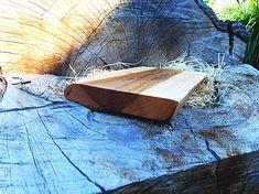 Lopárik hovädzinka | smezdreva.sk Cutting Boards, Home, Wooden Cutting Boards, Ad Home, Homes, Cutting Board, Haus, Chopping Boards, Houses