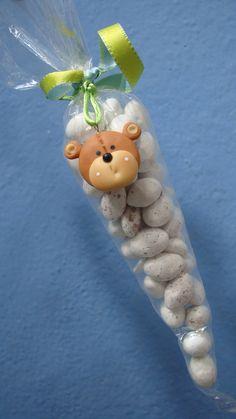 souvenirs con detalle en porcelana fria