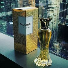 I want this  @GoldRushFragrance the perfect scent To refresh your mind & let your soul Sparkle! It's guaranteed to make you Feel fancy whenever you wear it! @ParisHilton #ParisHilton Photo by @LoveMeLondon -