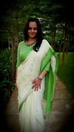 Simple Woven Ivory and Leaf Green Saree