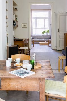 Marina Bautier — Coffeeklatch - All For Decoration My Living Room, Small Living, Home And Living, Living Room Decor, Living Spaces, Style At Home, Country Look, Sweet Home, Home And Deco