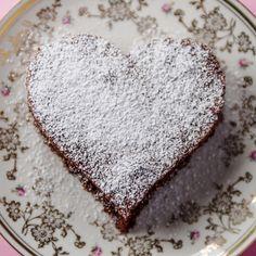Pastel alemán de chocolate, receta en español.  Pastel sin harina!!!  Blitz Schokoladenkuchen