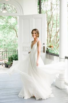 0f5d96aa178 Charleston bride in a Leanne Marshall gown at The Thomas Bennett House     Wedding photography