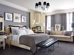Neutral colors give peace to this bedroom.