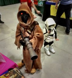 """The littlest Speeder Bike Trooper & his Jawa friend"" #StarWars"