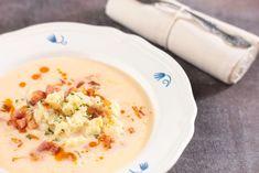 Bryndzová polievka s haluškami: Božsky uvarená bude chutiť aj cudzincom Ui Patterns, Bude, Mobile App Design, Cheeseburger Chowder, Pattern Design, Soup, Soups