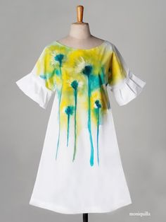 Vestidos pintados - painted dresses. by moniquilla · www.moniquilla.com. Puedes pedirlo en / You can order to: info@moniquilla.com