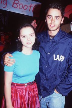 Christina Ricci & Jared Leto, two kids hanging out at the Forrest Gump premiere. Forrest Gump, Jared Leto Young, Pretty People, Beautiful People, Beautiful Women, Tom Ford Suit, Sophie Dahl, Nostalgia, Club Kids