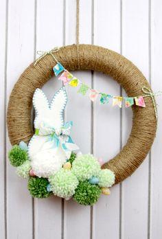 Osterkranz Ideen, Osterkranz, Osterkranz basteln, Osterbastelideen, Ostern DIY B… Diy Spring Wreath, Diy Wreath, Spring Crafts, Holiday Crafts, Wreath Ideas, Wood Wreath, Willow Wreath, Snowman Wreath, Grapevine Wreath