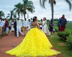 Image may contain: 4 people people standing wedding and outdoor African Bridal Dress, African Wedding Attire, African Lace Dresses, Latest African Fashion Dresses, African Print Fashion, African Attire, African Traditional Wedding Dress, Traditional Wedding Attire, Ethiopian Wedding