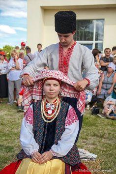 Ukrainian married women's traditional headwear - Namitka. Ivana Kupala folk feast celebration in Lehedzyno, Cherkasy Region, Ukraine.