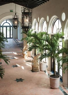 Miami's iconic Surf Club, once a retreat for the rich and famous, is being restored and expanded, with new buildings designed by Richard Meier and interiors by Joseph Dirand. Four Seasons Surf Club, Four Seasons Hotel, Casa Hotel, Hotel Lobby, Joseph Dirand, Hotel Room Design, Luxury Restaurant, Restaurant Design, Indochine