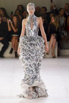 ALEXANDER MCQUEEN Spring 2012 Collection Trend Metallics