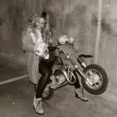 #Beyonce popping a wheelie. #Queenbey (Photo by @baddiebey)