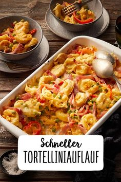 Quick tortellini bake with peppers and ham Vegetables Pasta and cheese in the oven Pasta bake Dinner Main course summer recipes summer recipes abendessen rezepte recipes recipes dessert recipes dinner Pizza Recipes, Baking Recipes, Vegetarian Recipes, Dinner Recipes, Healthy Recipes, Pasta Casserole, Casserole Recipes, Tortellini Bake, Pasta Bake
