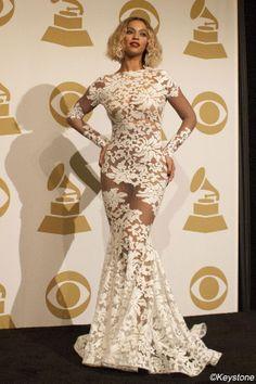 Grammy Awards 2014: les robes de stars (Beyoncé porte une robe Michael Costello) Photo : Keystone | Elle Québec
