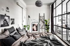 A small & dreamy Scandinavian apartment with a glass wall – Daily Dream Decor – Loft İdeas 2020 Small Apartment Bedrooms, Apartment Bedroom Decor, Apartment Furniture, Apartment Design, Small Apartments, Small Apartment Interior, Cozy Apartment, Studio Apartment, Scandinavian Apartment