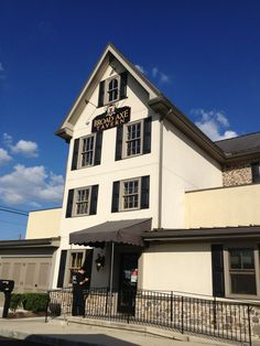 Broad Axe Tavern in Ambler is the oldest bar in Pennsylvania. Keystone State, Old Bar, 50 States, Cool Bars, Axe, Washington Dc, Pennsylvania, Old Things, Mansions