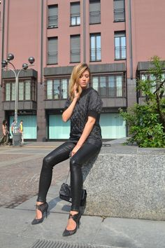 DSC_0556 #elenabarolo #jbrandjeans #jbrand #cristinamiraldi  #balmain #outfit #look #affashionate #itgirl #iconic #milano #fashionblogger #fashion