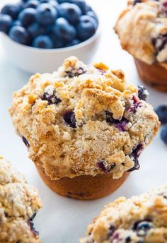 Jumbo Blueberry Crumb Muffins - Baker by Nature - - Moist and Fluffy, my homemade Jumbo Blueberry Muffins are even better than the ones from the bakery! Blueberry Crumb Muffins, Homemade Blueberry Muffins, Blueberry Recipes, Blue Berry Muffins, Recipes With Blueberries, Blueberries Muffins, Tiramisu Dessert, Bakery Muffins, Jumbo Muffins