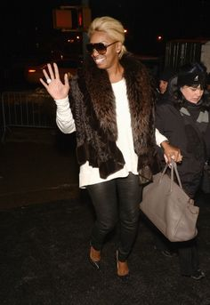 nene leakes clothing | NeNe Leakes kept the cold temps at bay in a gorgeous fur.