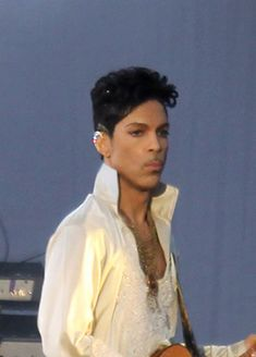 If looks could kill! Prince Images, Pictures Of Prince, Prince Concert, The Artist Prince, Love My Man, Prince Purple Rain, Paisley Park, Handsome Prince, Dearly Beloved