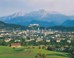 Ever been to the baroque city of Salzburg? © Österreich Werbung/Popp Hackner #austria #salzburg #mozart #citycenter #overview #music #baroque #visitaustria
