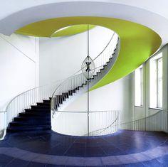 Irgendwie sind mir das hier in letzter Zeit zu viele Treppen / bzw. zu viel Architektur.  Naja, ein Glück das es in knapp 2 Wochen nach Rügen geht :)  BItte kommentieren/kritisieren!