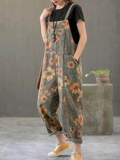 Vintage Print Floral Straps Side Pockets Loose Pockets Jumpsuits – Prilly jumpsuit outfit jumpsuits casual jumpsuits for women jumpsuits and romper summer romper cute rompers Jumpsuit Outfit, Casual Jumpsuit, Denim Jumpsuit, Overalls, Denim Overall, Look Fashion, Womens Fashion, Cute Rompers, Jumpsuits For Women
