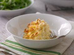 Crock-pots aren't just for stews and casseroles – they're perfect for cooking everyone's favourite: mac 'n' cheese!