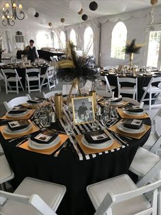 Black and gold decorations for table - Salvabrani 40th Bday Ideas, Moms 50th Birthday, 90th Birthday Parties, 50th Party, Birthday Party Decorations, Formal Party Decorations, 50th Wedding Anniversary, Anniversary Parties, Mafia Party