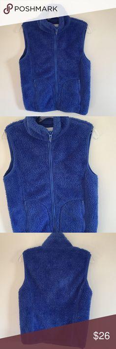 Aeropostale vest ❄️ Pretty faux fur blue vest. 100% polyester. Full zip and pockets in front. Aeropostale Jackets & Coats Vests