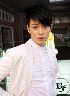 Donghyun Boyfriend Leader