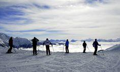 Mit den Skiern die Berge erklimmen und eine herrliche Aussicht geniessen - Winterurlaub im Ahrntal www.ahrntal.com