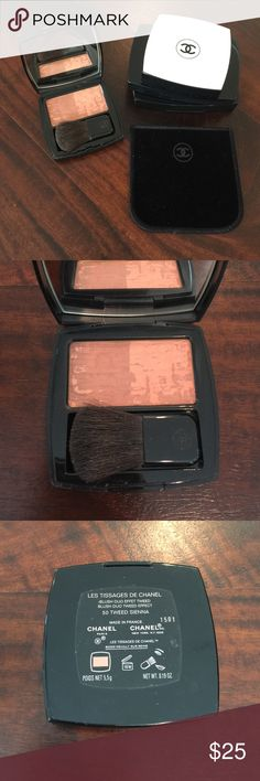 CHANEL LES TISSAGES DE CHANEL blush AUTHENTIC LIMITED EDITION blush duo tweed effect in 50 TWEED SIENNA in great condition. includes velvet pouch and brush that has never been used. downsizing my makeup which has been on display more than in use!! similar selling on ebay for $65+ CHANEL Makeup Blush