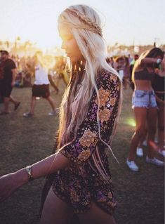 5 Foolproof Outfits To Rock At A Country Music Festival