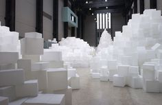 Rachel Whiteread at Tate Modern. This exhibit was like walking through towers of enormous sugar cubes. Contemporary Sculpture, Contemporary Art, Tate Modern Museum, Rachel Whiteread, Making Goals, Artistic Installation, Lowbrow Art, Negative Space, Chandelier