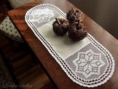 for the table Filet Crochet, Crochet Doilies, Crochet Table Runner, Table Runners, Decorative Boxes, Crochet Patterns, Lace, Charts, Home Decor