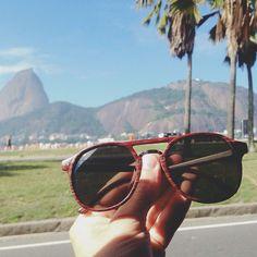 Jazz & Co. combina com praia sol e Rio de Janeiro  modelo Lio  clique do amigo Álvaro   #soujazz #sunglasses #eyewear #lojajazz #shades #style #ootd #riodejaneiro