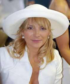 Kim Cattrall at the Kentucky Derby, 2004