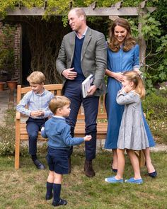 Prince William Family, Prince William And Catherine, William Kate, Kate Middleton Prince William, George Of Cambridge, Duchess Of Cambridge, Kate Middleton Family, Principe William Y Kate, Princesa Kate Middleton