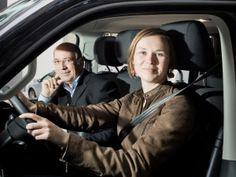 Jeune conducteur et chauffard ne sont pas des synonymes, merci.