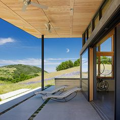 Modern ranch house merges indoor-outdoor living in Santa Lucia Preserve Minimalism Living, Santa Lucia Preserve, Contemporary Patio, Green Architecture, Architecture Design, Beautiful Sites, California Homes, Carmel California, Monterey California