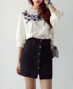 Flowers Embroidery Cotton Sweatshirt