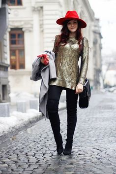 Gold sweater Gold Sweater, My Kind Of Love, Beauty Skin, Jewerly, Cape, Winter Fashion, Dress Up, Hipster, Fashion Outfits