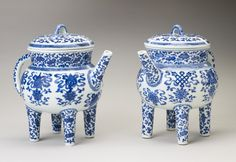 Jingdezhen, Jiangxi Province, China Pair of ritual pouring vessels with covers  c.1736-1821